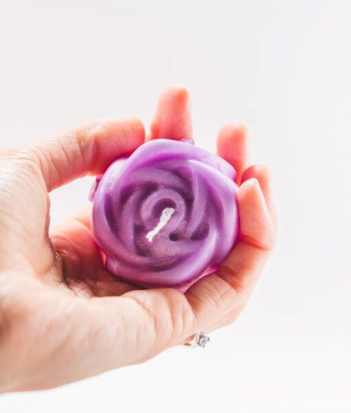 lumanare-sfera-cu-trandafiri-lavanda